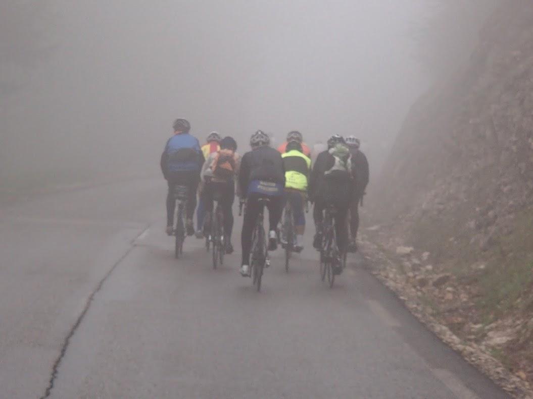 Comment montrer l'exemple de ce qu'il ne faut pas faire? BCMF du Vercors 2013 montée du col du Rousset. Une épreuve organisée par la FFCT.
