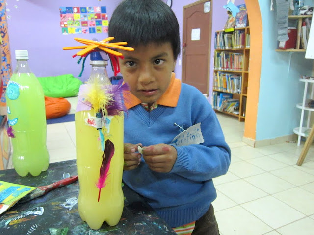 volunteering at arte del mundo, banos, Ecuador
