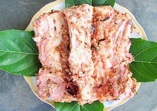 0alonchua12 20140209110954 001 Độc đáo hương vị thịt chua người Dao