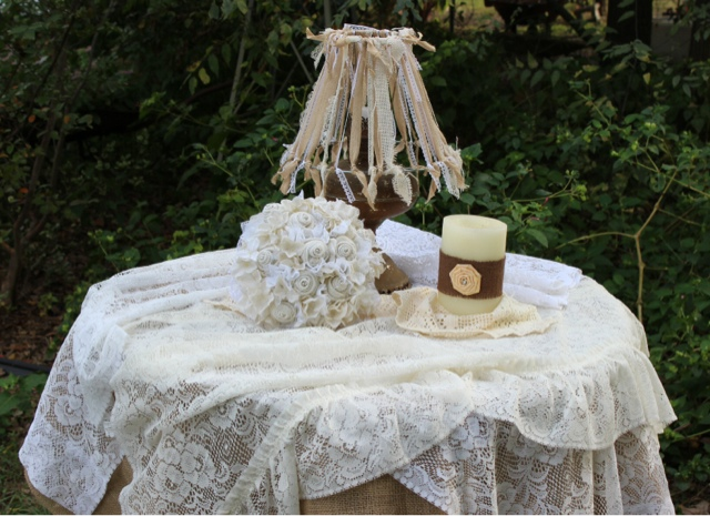 Charmant ... Lace And Burlap Together To Create Ready Made Table Cloths. I ...