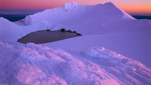 Winter Evening on Crater Lake, Mount Ruapehu, Tongariro National Park, New Zealand.jpg