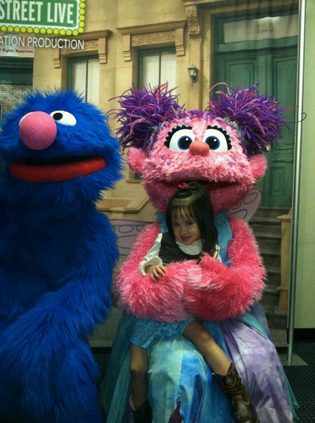 Miss magic sesame street live continuedhey look zoe meet and greet with the characters m4hsunfo