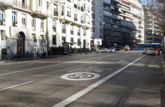 Obras junto a las Escuelas Aguirre para mejorar el tránsito peatonal y accesibilidad