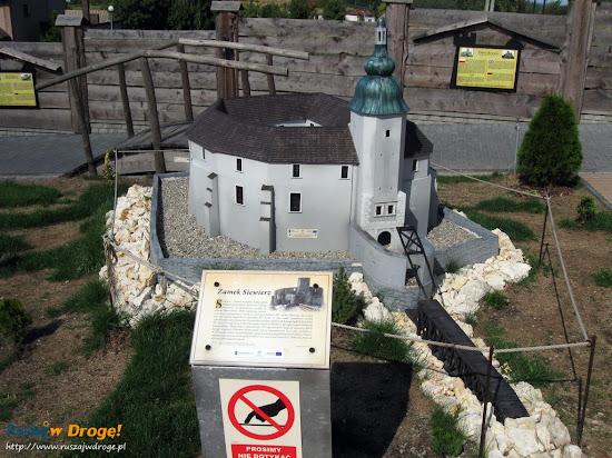 makieta zamku Siewierz z Parku Miniatur Ogrodzieniec