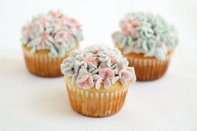 Hydrangea Flower Cupcakes