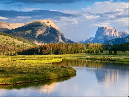 Square Top Mountain and the Green River, Wyoming.jpg