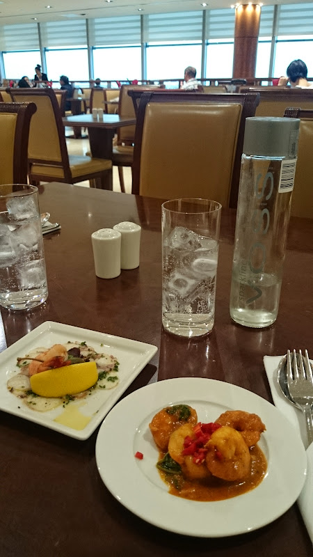 DSC 4553 - REVIEW - The Lounges of LHR T3 - EK, CX and BA (September 2014)