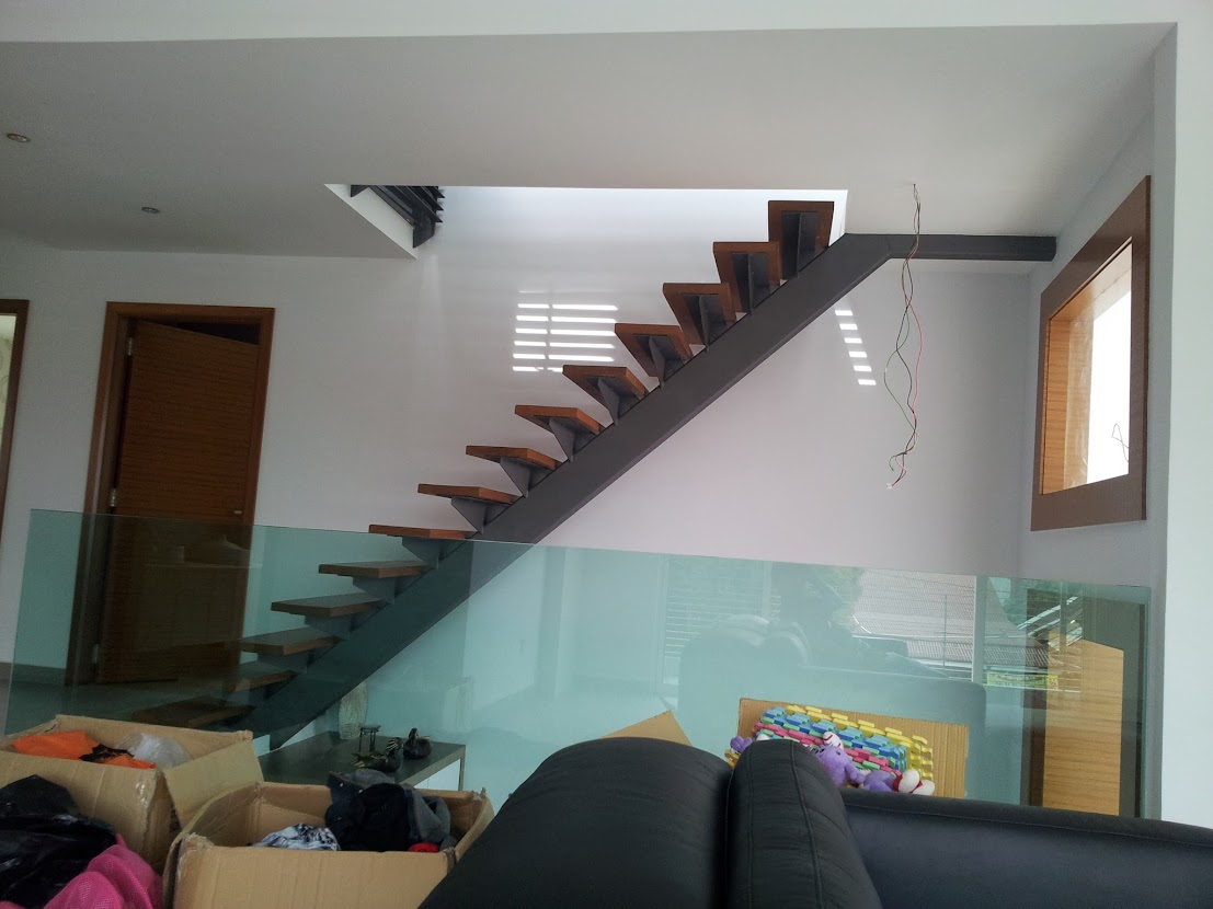 staircase to m floor