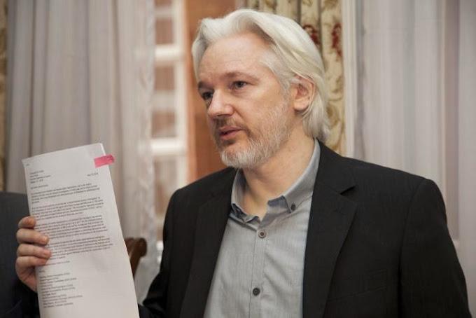 Julian Assange aboga por el software libre como única vía para proteger la privacidad