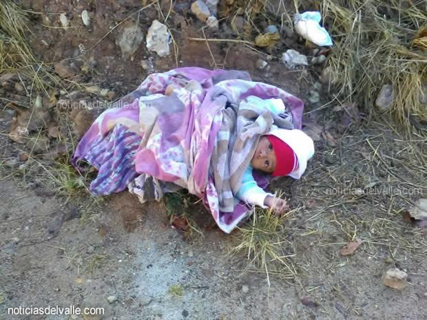 Menor fue abanadonada a orilla de un camino