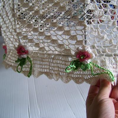 stelaż abażura abażur szydełkowy dziergane meble ozdoby ariadna muza  kordonek nici bawełna shabby chic wiązanie kwiatków