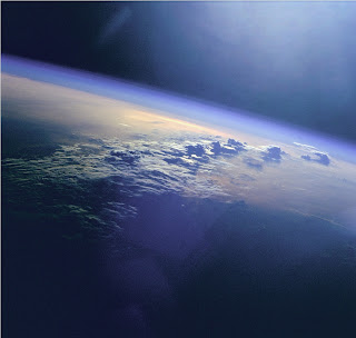 Fotografía de la Tierra, capturada desde el transbordador espacial Discovery