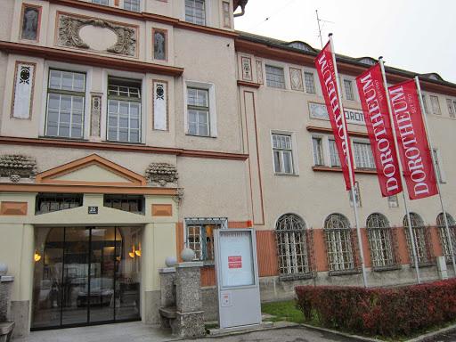 Dorotheum, Fabrikstraße 26, 4010 Linz, Österreich, Pfandleihhaus, state Oberösterreich