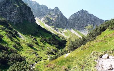 Aufstieg vom Gaisalpsee Blick Gaisalphorn Oberstdorf Allgäu