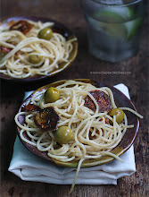 Thumbnail image for Spaghetti Aglio Olio with Sundried Tomato & Olives