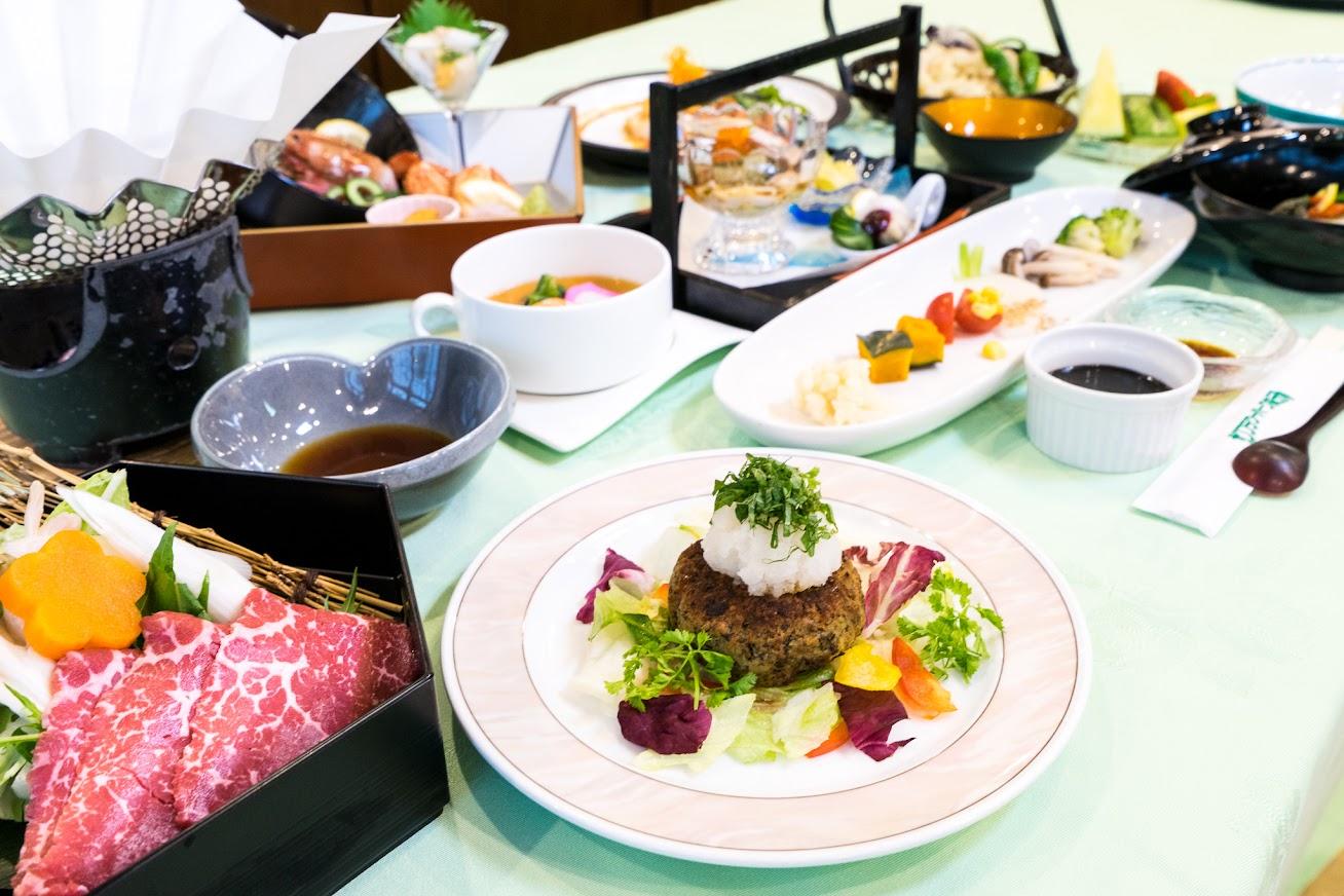 2015年夏宿泊の夕食膳4,700円コース13品・サンフラワーパークホテル