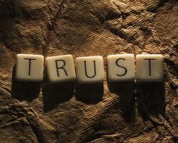 بين الثقة والغرور والتسليم!!