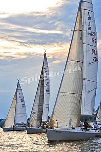 J/105s sailing
