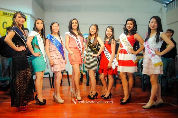Candidatas a Niña y Señorita Colegio Santa Ana