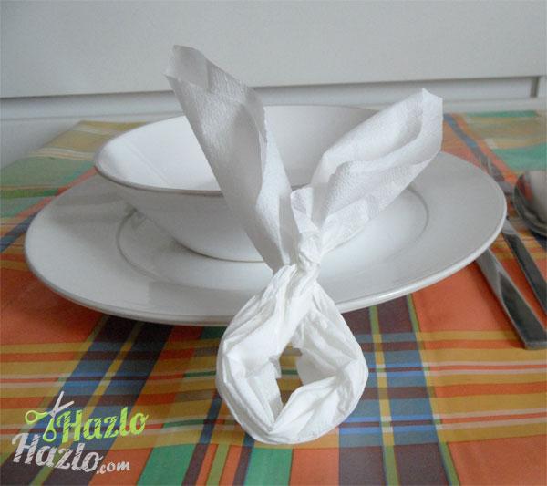 Doblar servilletas con forma de conejo