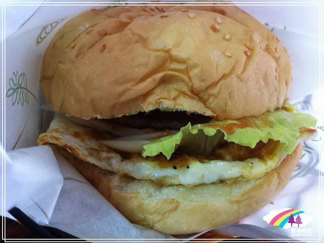 斗六-活力永早餐食記 吃照燒豬漢堡+培根蛋餅+薯餅