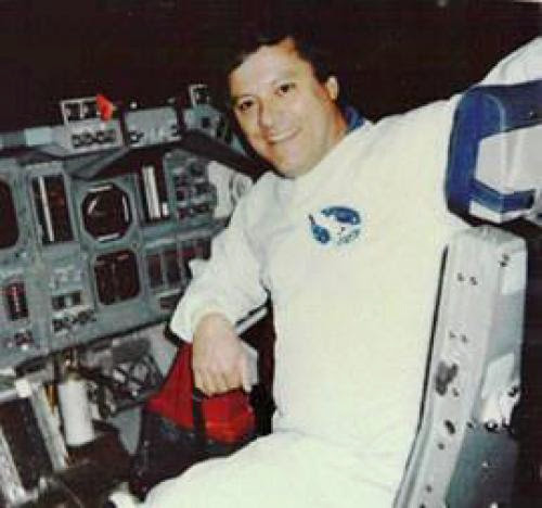 Nasa Picks Astronaut Crew Ship Designs