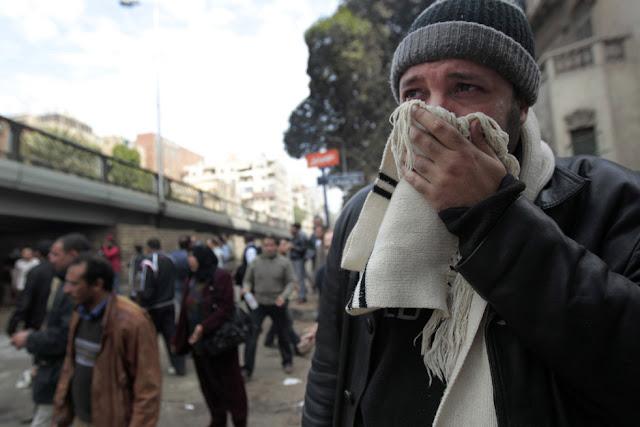 Egyptian Revolution شريف الحكيم Teargas1.28