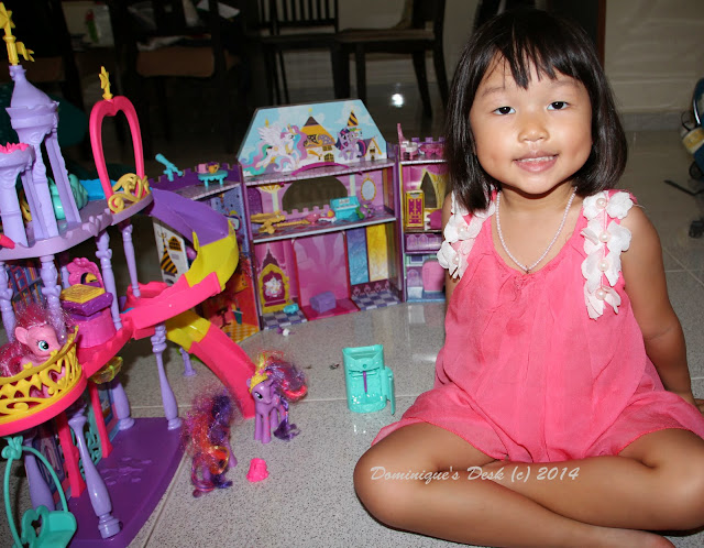 Tiger girl with her playsets