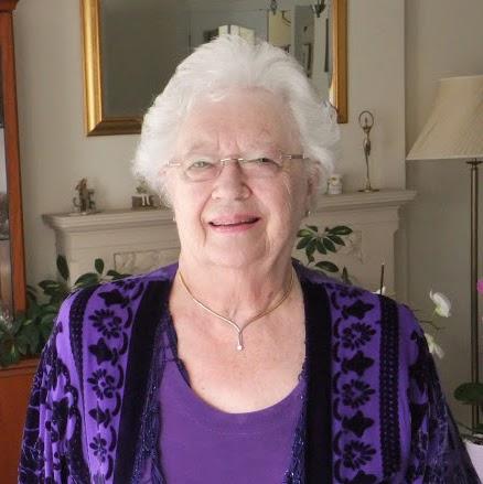 Anita Simon Photo 13