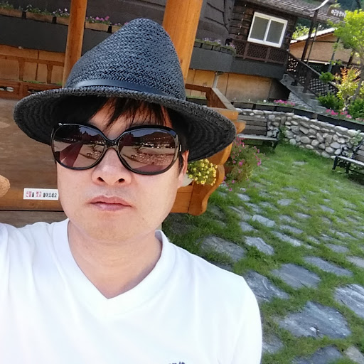 Dongsu Lim