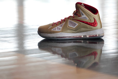nike lebron 10 pe championship gold 1 05 LeBron James Kicks Off New Season in Gold LEBRON X