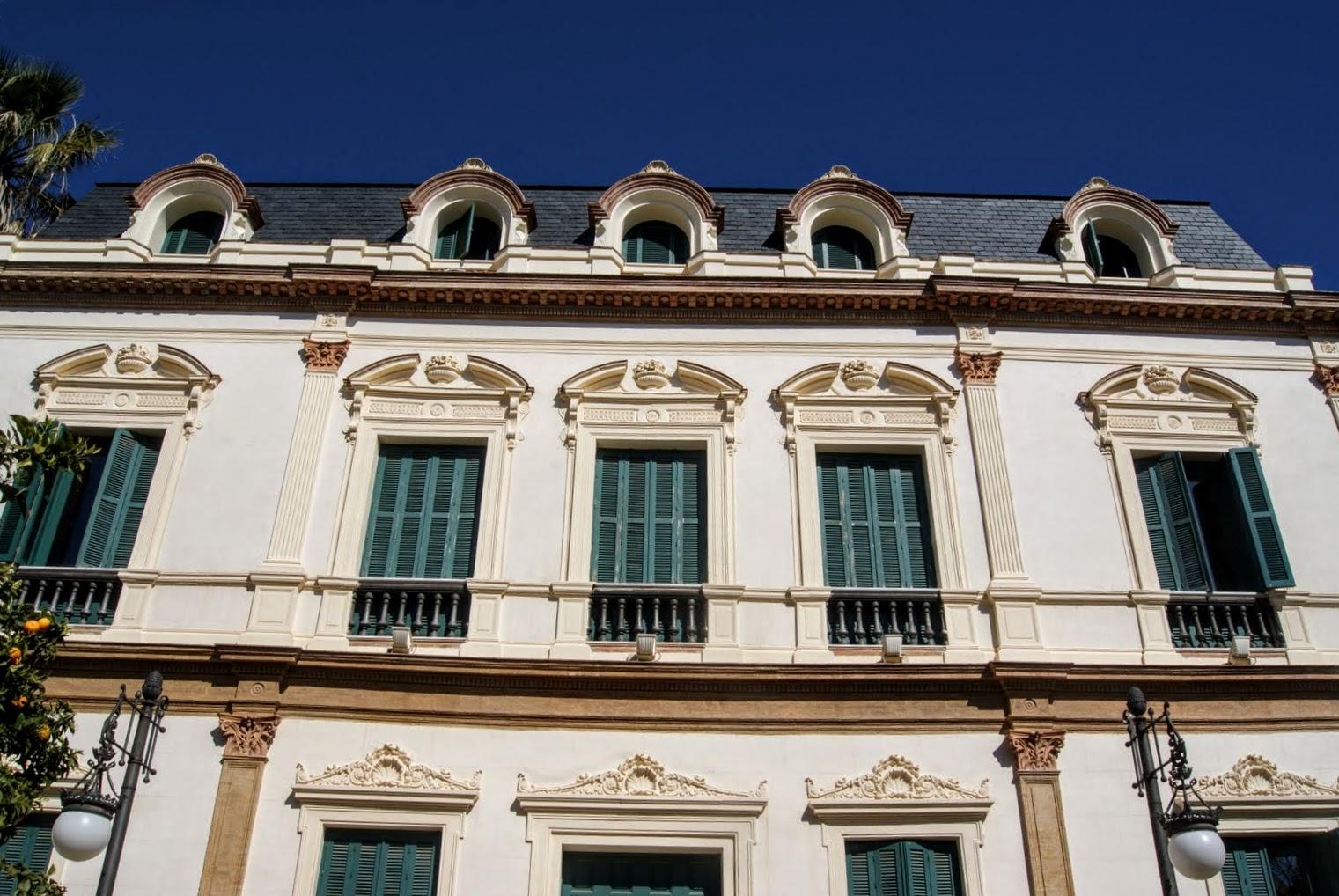 Leyendas de sevilla el misterio de la casa de las sirenas - La casa de los uniformes sevilla ...