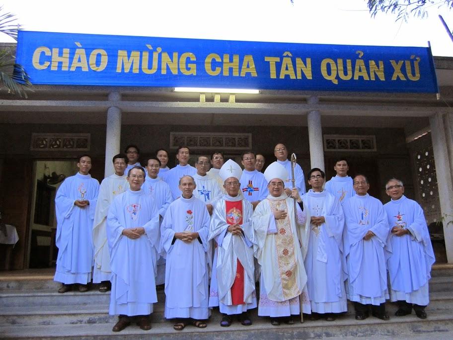 Thánh lễ nhậm chức Cha tân quản xứ Antôn Nguyễn Đình Phong tại Giáo xứ Phù Sa