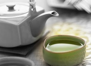 Green Tea now become very popular worldwide. It has strong anti-oxidants that can kill cancer cells very effectively. It is also very effective for keeping healthy heart.