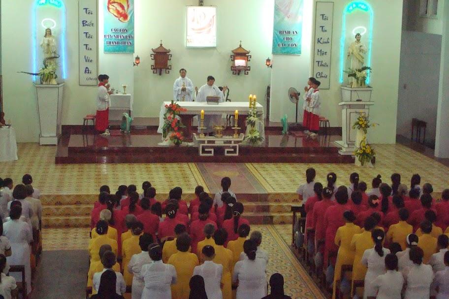 Giáo Xứ Thủy Lợi hân hoan mừng bổn mạng Cha Quản Xứ