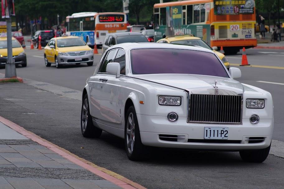 2011.12.4資訊展SG一張流~~同場加映很貴的車一部