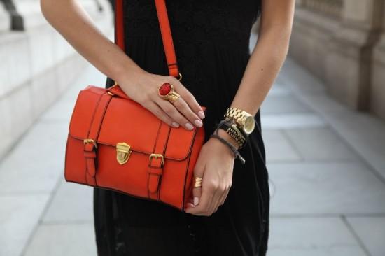 turuncu çanta