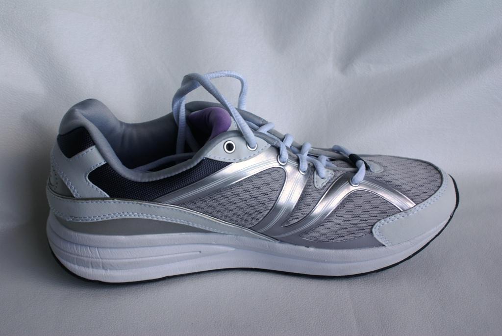 new easy spirit s graham 3 anti gravity sneakers
