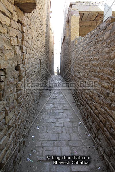 Narrow lane of Jaisalmer [India]