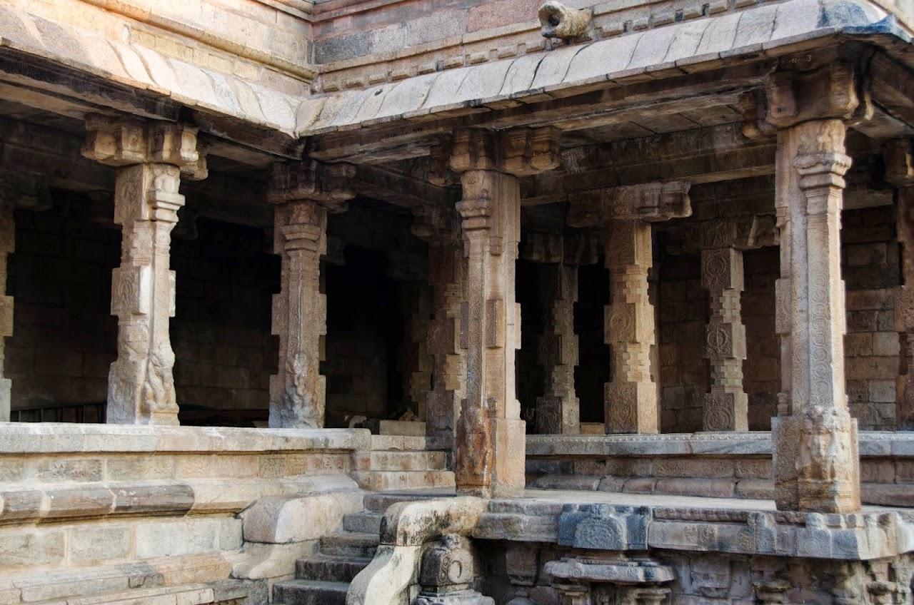 Pillars at the Airavateswara Temple