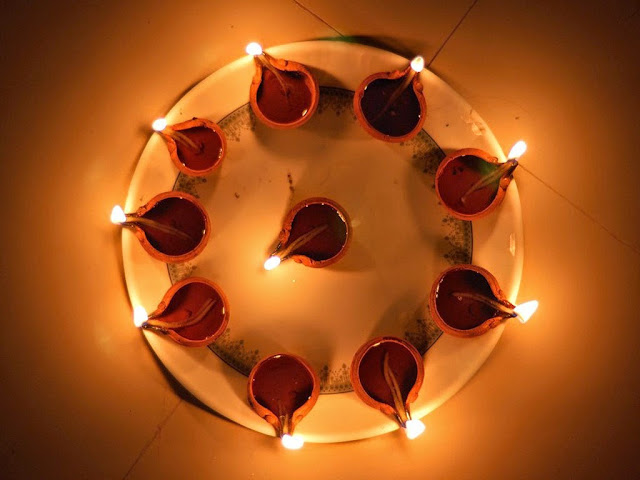 Top 3 Amazingly Beautiful Happy #Divali 2014 Shayari, SMS, Quotes, Messages, Wishes, Greetings For Facebook And WhatsApp