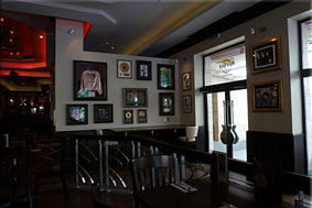 Interior del Hard Rock Cafe de Bucarest