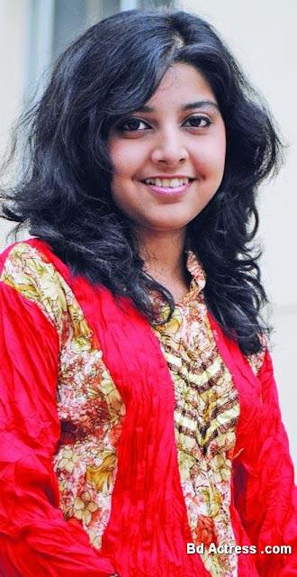 Bangladeshi Singer Porshi
