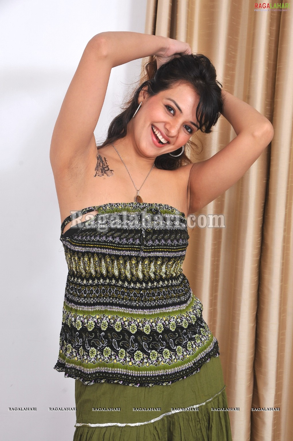 Saloni Armpit Show Hot And Sext Photo Gallery  -2410