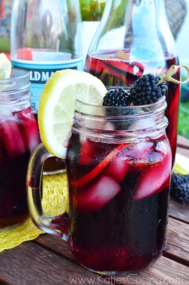 Blackberry Pomegranate Sangria from Katie's Cucina via SewWoodsy.com