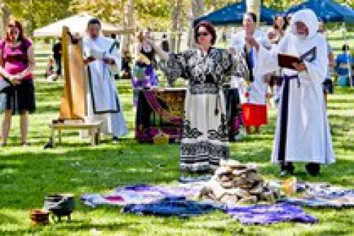 Pagans Come Out To Pagan Pride Day Laoc Despite Heat