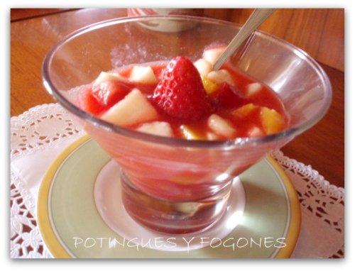 Potingues y fogones macedonia de frutas con coulis de fresa - Macedonia de frutas thermomix ...