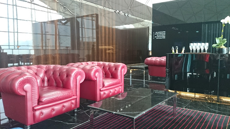 REVIEW - Cathay Pacific : The Wing First Class Lounge, Hong Kong ...