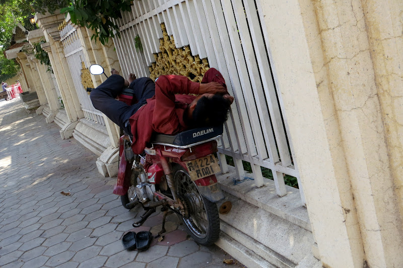 Moto driver naptime