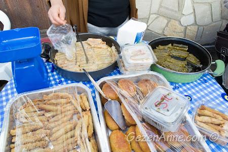 dolmalar, börekler, tatlılar, Sığacık Pazarı Seferihisar